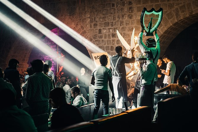 The best clubs the world has to offer & you will be at the center of it all with the best VIP tables & the finest hosting experience possible to keep those bottles popping all day, all night!<br><br>(MINIMUM 5X BOOKING )<br><br>(Up to 8 people)