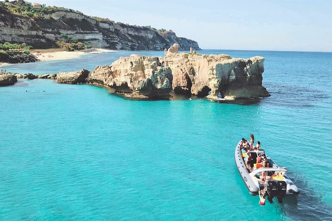 MÁS FOTOS, Exciting private boat tour, up to 8 people, from Tropea to Capo Vaticano