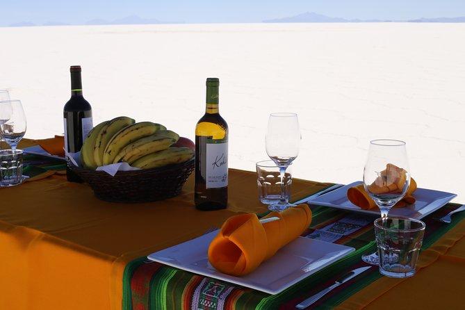 Excursión privada de día completo por las salinas de día completo incluyendo Colchani y volcán de Tunupa, Uyuni, BOLIVIA