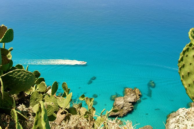 MÁS FOTOS, ESCLUSIVE PRIVATE BOAT TOUR IN TROPEA. Just you and your family