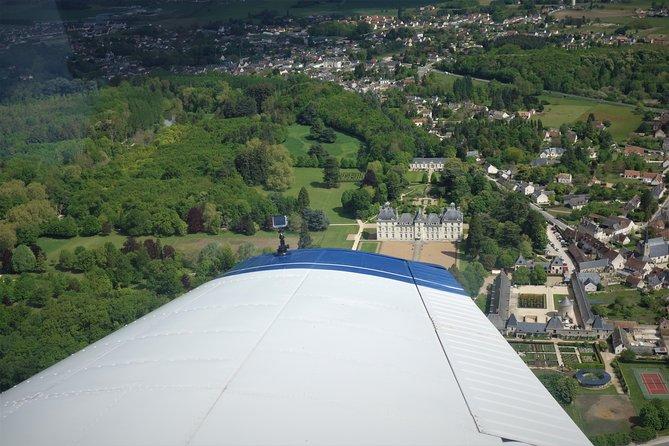 Day Trip from Paris to Châteaux de la Loire in a Private Plane, Paris, FRANCIA
