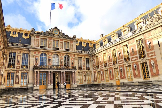 """This Half-Day Private Tour in Versailles is the opportunity to discover the most famous palace in the world and surely also the largest castle with its 67,000 m2 and 700 rooms. During your visit to the residence of Louis XIV, the Sun King, your guide will make you admire the state apartments of Louis XIV and the magnificent and amazing """"Hall of Mirrors."""" After this exceptional visit, you will have free time to discover the beautiful French Gardens with 55 fountains before returning to Paris.<br><br>- Skip-the-Line Tickets to the Palace and Gardens for your comfort and to guarantee you an easy access to the Palace of Versailles.<br>- The tour is completely adapted with a customized itinerary.<br>- Multilingual Licenced Driver-Guide accustomed to VIP customers.<br>- Premium service at a very competitive price."""