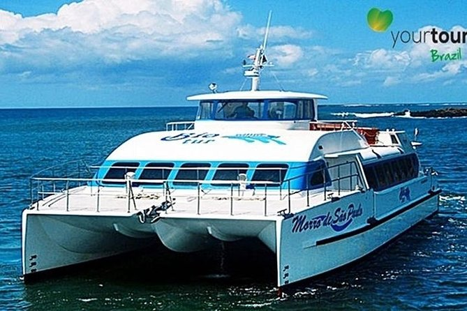 We facility to get the tickets beforehand and turn the clients skip the line.<br>Enjoy the view from Salvador to Morro de São Paulo in an amazing navigation.