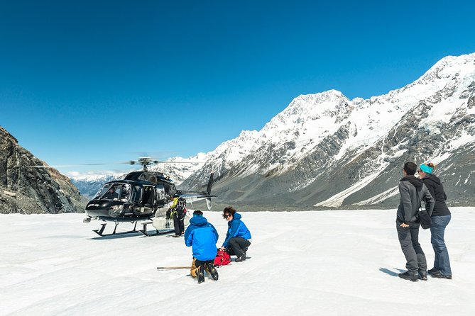 The Adventurer: Tasman Glacier Heli-hike, Canterbury, NOVA ZELÂNDIA