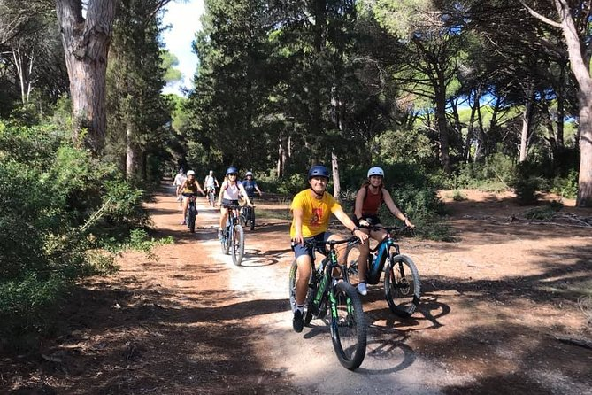 The meeting point is in Porto Santo Stefano (GR). The tme to form the group, prepare the bicycles, and we will be ready to go!<br>Our itinerary will starts with the panoramic ring of Porto Santo Stefano and then continue along the cycle path towards the Feniglia Nature Reserve. Here we will immerse ourselves in the pine forest of domestic pine, of landscape and naturalistic interest. We will stop for lunch and whoever wants can go to the beach before leaving.<br>Then we will see the lagoon of Orbetello, a wonderful WWF oasis that hosts many water birds including pink flamingos. The next stop will be the characteristic village of Orbetello, which develops on an islet connected to the mainland by an artificial dam.<br>The ring route will bring us back to the starting point after 38 km. The excursion lasts the whole day and is suitable for everyone. E-bikes are pedal-assisted bikes that lighten the effort thanks to an electric motor<br>