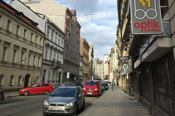 Transfer Berlin-Prague or Prague-Berlin, with optional 2 hours visit to Dresden, Berlim, Alemanha