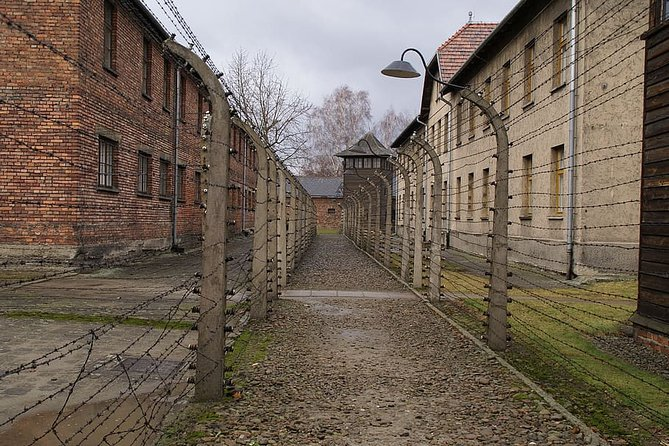 Private Full Day Excursion to Auschwitz from Krakow with Hotel Pick-up, Oswiecim, POLÔNIA