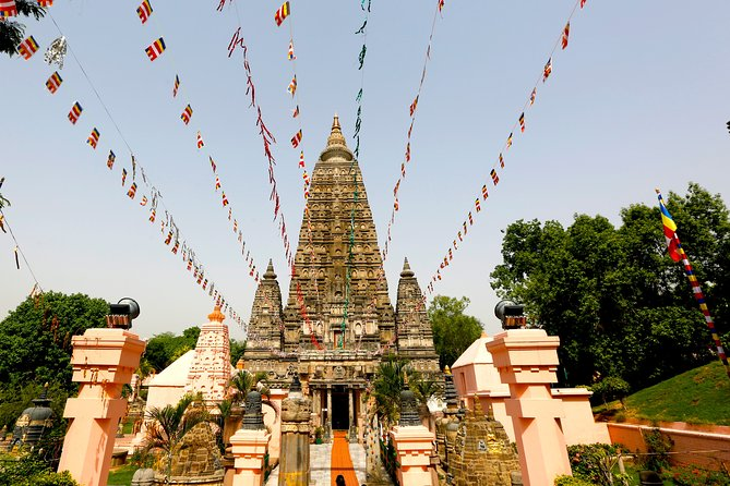This Virtual tour is a complete guided virtual experiential tour of Bodhgaya during the crisis situation of covid 19