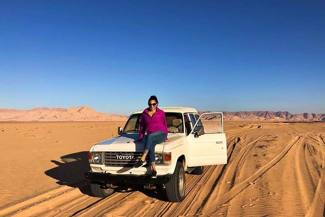 Tour privado: Recorrido de Aventura en Wadi Rum en Jeep y Camello desde Petra, Petra, JORDANIA