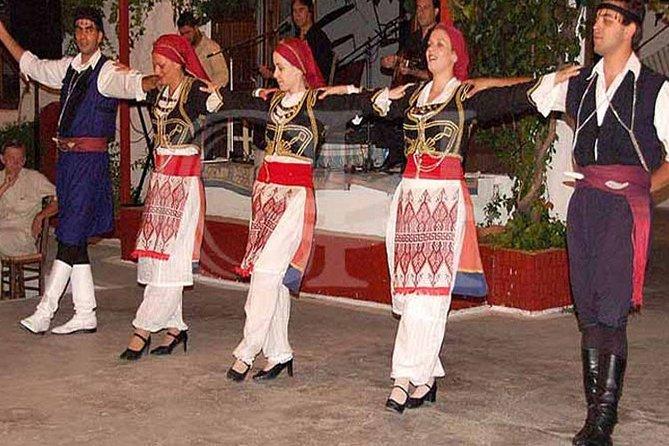 Cretan Evening Music Food Dancing, La Canea, GRECIA