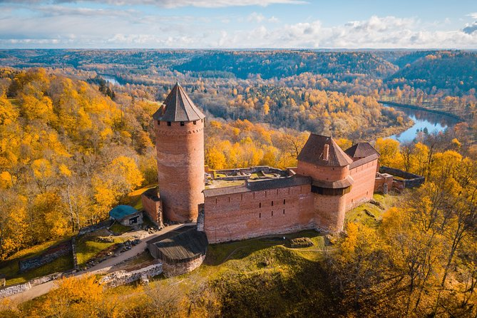 Together with the professional guide, you will visit the most charming places in the city. Visit the widest and highest cave in the Baltic countries. What inscriptions are in the cave? And what legend is scaling about this cave?. You will have a chance to explore the city, while hearing fascinating facts and legends. Why Sigulda was called Switzerland of Vidzeme? You will be surprised how many stories are hidden in the streets, buildings and corners of Sigulda. Your charming guide will tell you what is special and unique about living in this city. Perfect for those who are visiting the city for the first time and want to get the most of it!