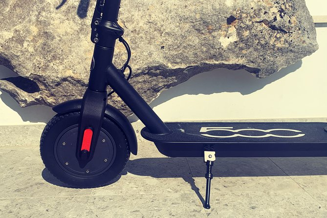 Product type: FIAT500 electric scooter<br><br>Electric scooters are environmentally friendly, save you time and lots of fun!<br>You can easily drive them, carry them and take them to the beach also :)