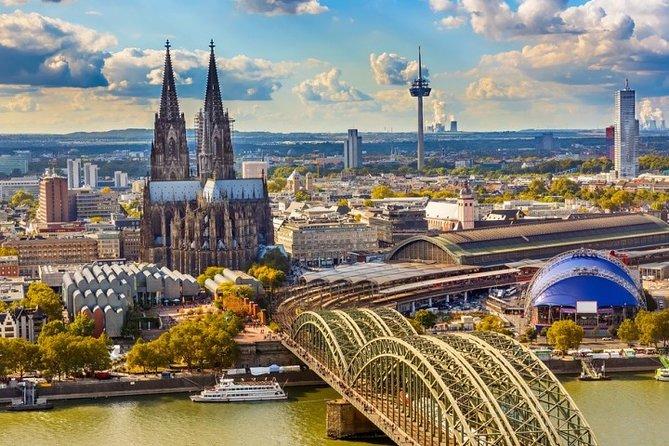 Dusseldorf Airport Transfers : Airport DUS to Dusseldorf in Business Car, Dusseldorf, ALEMANIA