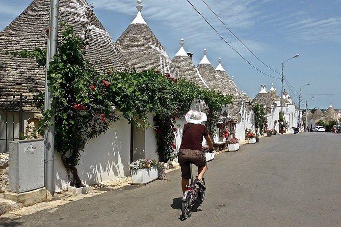 "MÁS FOTOS, Guided tour ""Love stories of Alberobello"""