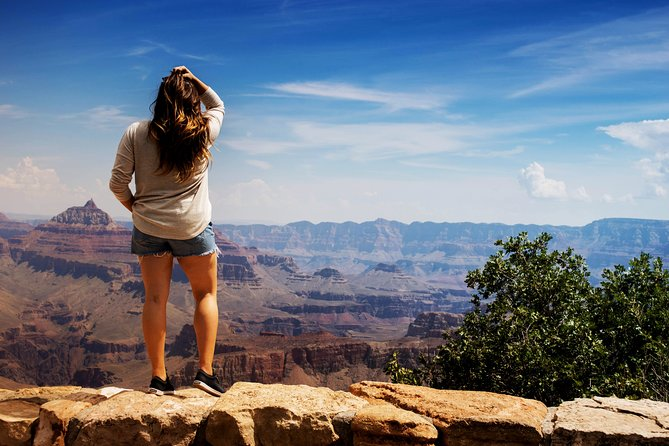 If you're heading to the Grand Canyon National Park, but want to see more - this is the tour for you! Make your own way to the heliport and board your 25-30 minute flight through the canyon for views of the Northern rim. You can upgrade your tour to include ahummer tour of the Grand Canyon National Park.