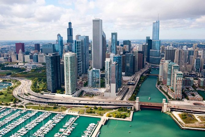 Chicago Airport Transfer: Midway Airport MDW to O'Hare Airport ORD in Luxury SUV, Chicago, IL, UNITED STATES