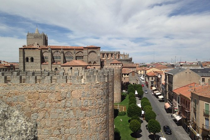 Private day tour to Avila and Salamanca from Madrid with Hotel pick up, Segovia, ESPAÑA