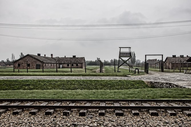 MAIS FOTOS, Auschwitz Private Tour