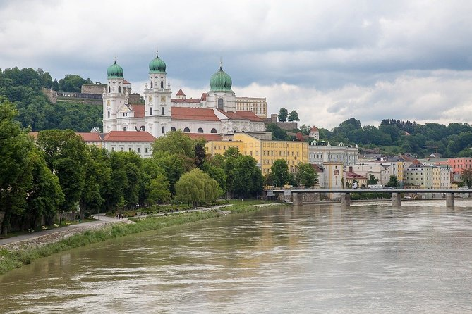 Together with the professional guide, you will visit the most charming places in the city. You will have a chance to explore the city, while hearing fascinating facts and legends. One of the oldest cities in Bavaria, Passau is a place where three famous rivers meet. Can you guess which ones? It is also a town where you can find one of the largest cathedral organs in the world. You will be surprised how many stories are hidden in the streets, buildings and corners of Passau. Your charming guide will tell you what is special and unique about living in this city. Perfect for those who are visiting the city for the first time and want to get the most of it!