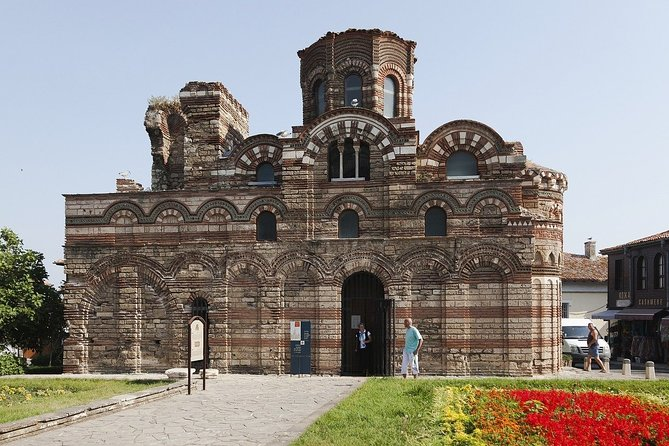 Together with the professional guide, you will visit the most charming places in the city. Do you know that Nessebar is a world's heritage? Is it true that Nessebar was once a Greek settlement? Is it true that Nessebar was the starting line of many European traditions? You will have a chance to explore the city, while hearing fascinating facts and legends. Will you believe it that the concept of money was found in Nessebar? Do you know that the city holds music and traditional festivals annually? You will be surprised how many stories are hidden in the streets, buildings and corners of Nessebar. Your charming guide will tell you what is special and unique about living in this city. Perfect for those who are visiting the city for the first time and want to get the most of it!