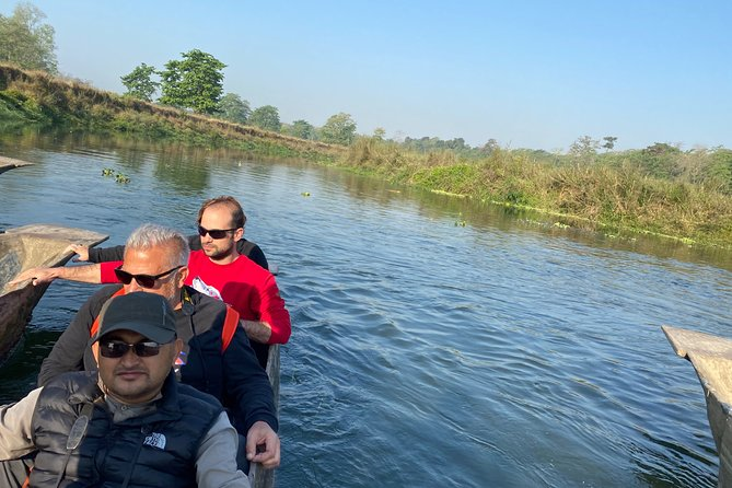 Experience the natural wildlife safari in Chitwan National park with overnight stay. <br>Quick trip to Chitwan National Park