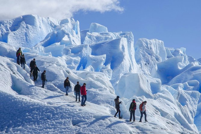 Minitrekking is a Full day Excursion that allows you to walk on the top of a Moreno Glacier with crampons.<br><br>Operation from August to May.<br>Does not operate during June and July.<br><br>Duration: 10 hours<br><br>Trekking on the Ice: About an hour and a half.<br>Total trekking time: approximately 3 hours.<br><br>Warning: this excursion, due to the degree of effort and difficulty that presents, is not advisable for the following people: greater of 65 years and minors of 10 years old, pregnant women, people with overweight or some type of disability.