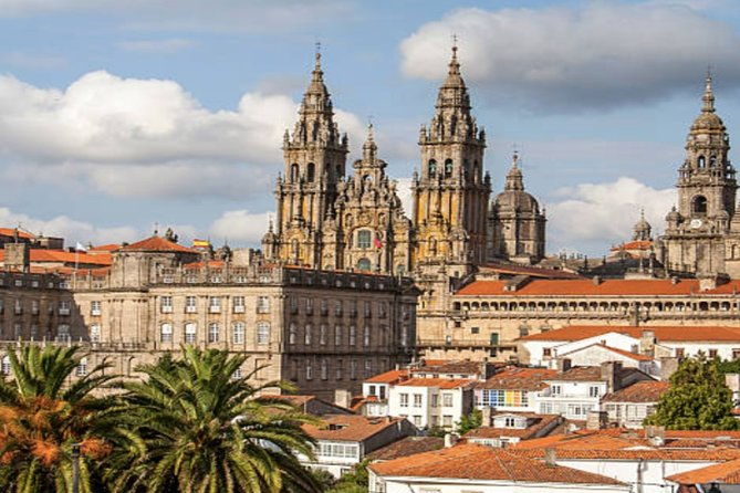 Join our full day small group tour to Santiago de Compostela known as the Field of Stars, this stunning town is full of history. The tour is a great one for scenery offering some great photo moments.