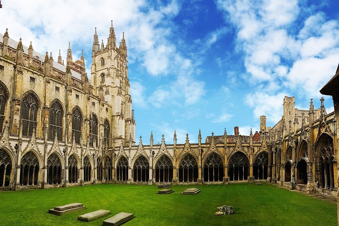 An exclusive tour for all the romantics of the world! Together with the professional local guide, you will visit the most romantic places in the city. You will feel spellbound in a charming atmosphere. What is so special about the Canterbury Cathedral?What is considered as one of the best places to have a date in the city? Where can you make lovely photos? You will be surprised how many historical love stories are hidden in the streets, buildings, parks of the city. From heartbreaking and tragic, to the hilarious or spicy ones. What's worth knowing about Howletts Wild Animal Park and Grove Ferry Picnic Site? This tour is especially recommended in the Saint Valentine period!