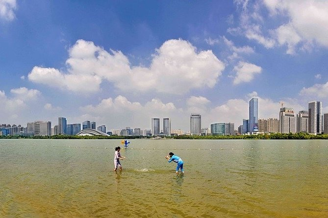 """An exclusive tour for all the romantics of the world! Together with the local professional guide, you will visit the most romantic places in the city. Which beautiful park in Hefei is known as a """"green necklace""""? You will feel spellbound in a charming atmosphere. Where is considered as one of the best places to have a date in the city? Where can you take lovely photos? You will be surprised how many historical love stories there are hidden in the streets, buildings, parks of Hefei. From heartbreaking and tragic, to the hilarious or spicy ones. Why is Hefei known as a garden city? What is the most famous historical couple in China? Have you heard the legend of the beauty who disguised herself as a man only to fall in love with another man? A tour especially recommended in the Saint Valentine period!"""