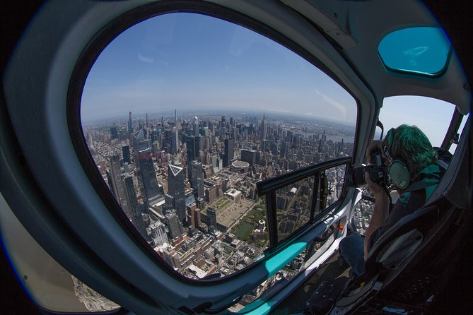 Enjoy stunning panoramic views while you explore the vast landscape of Manhattan, New Jersey, Brooklyn and so much more on this world class pilot narrated aerial experience.See all the iconic NYC landmarks and buildings. Your photo opportunities are galore, so bring your camera!