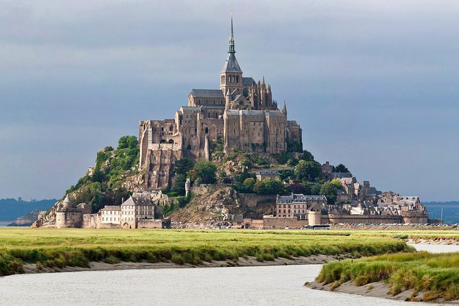 Mont Saint Michel is a complete unique location and its famous not only for its amazing views and because it's an island but thanks to its abbey. This is why many people come to visit Mt St Michel. <br><br>The abbey is an amazing site that we need to spend time in. From the history, views and everything it has to offer. The opening times are quite extensive, so we should have no problem. You can also enjoy beautiful tidal views before 5PM with your guide. <br><br>Let our private guide indulge you in the several generations of different builders and the extensive years of history and construction. <br><br>Here are other sites that you can also enjoy during your visit of Mt St Michel, amongst others:<br>Église Paroissiale Saint Pierre<br>Barrage sur le Couesnon <br>La Chapelle Saint Aubert<br>La Grande Rue <br>La Porte du Roy<br>Port du Boulevard <br>Porte de l'Avancee<br>