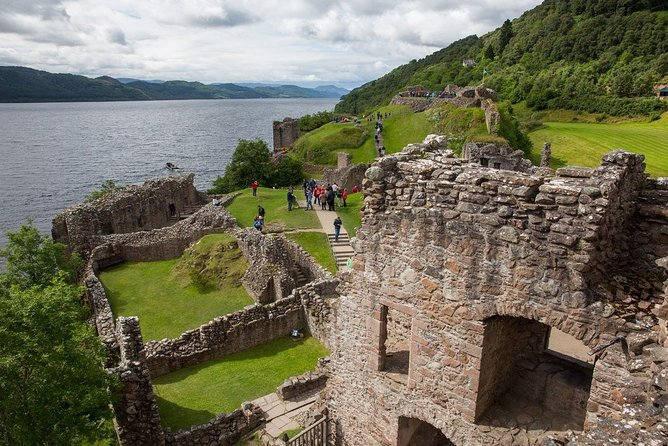 This tour is the best way to truly discover Loch Ness. Together with a visit to Urquhart Castle and cruise around the mysterious waters of Loch Ness. Hear about the tales and legends of the lake, and look for the mythical monster.