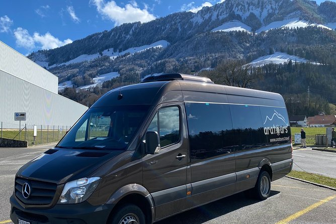 Meet & Greet service by your skillful driver in the lobby of your hotel in Bern. Sit in comfort and enjoy the private transfer all the way to Zurich Airport with AlpTransfer.