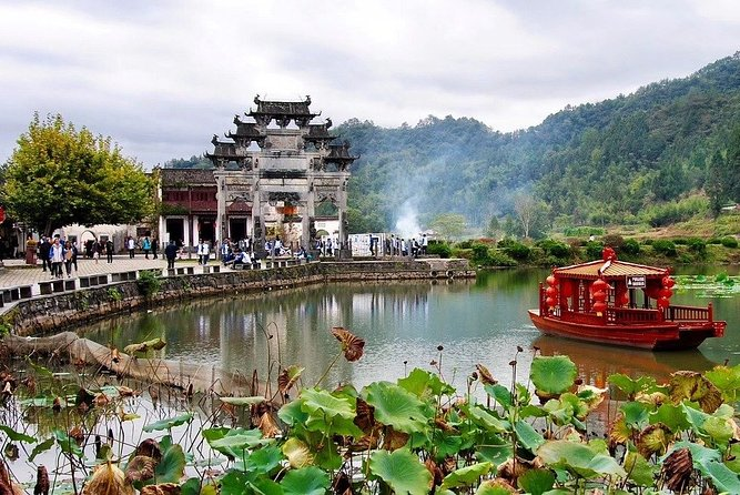 """An exclusive tour for all the romantics of the world! Together with the local professional guide, you will visit the most romantic places in the city. Zhanjiang is famous for its scenic spots, charming sea view, beautiful beaches, fresh seafood, and a magical volcanic lake. You will feel spellbound in a charming atmosphere. Where is considered as one of the best places to have a date in the city? Where can you take lovely photos? You will be surprised how many historical love stories there are hidden in the streets, buildings, and parks of the city. These range from heartbreaking and tragic, to the hilarious or spicy ones. Why is the stunning Techeng Island called """"Red Island""""? In the Great Wall story of Meng Jiangnu's Bitter Weeping, why did Meng Jiangnu weep for her beloved Fan Qiliang? A tour especially recommended in the Saint Valentine period! <br>"""