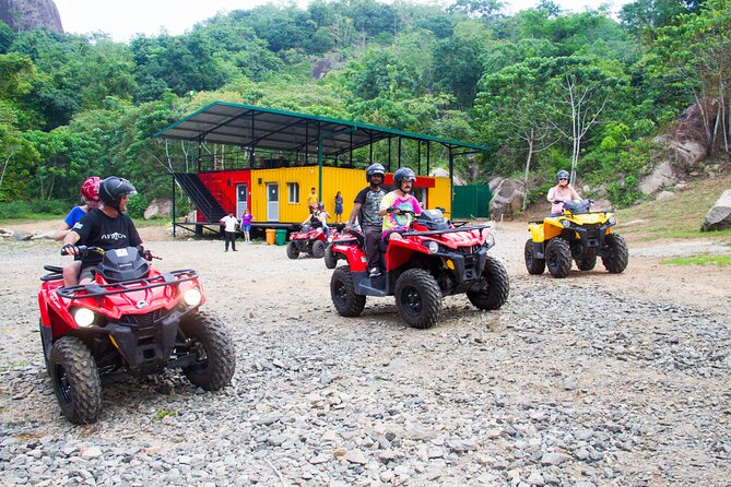 (SKU: LK80050100) This half-day tour takes you on an exciting ATV ride to two of Sri Lanka's most spectacular rock formation viewpoints.