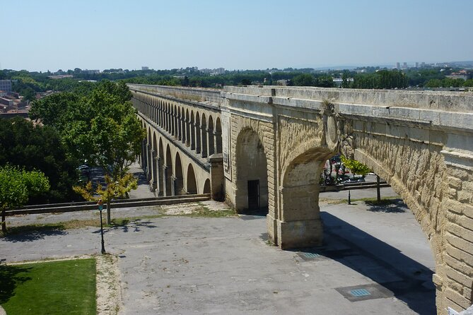 MÁS FOTOS, Follow in the footsteps of the Saint Clément aqueduct as far as the Pic Saint Loup.