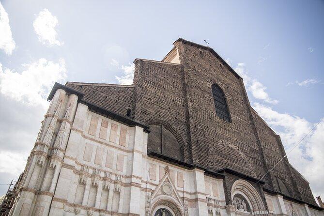 Paseo para descubrir Bologna, Bolonia, ITALIA
