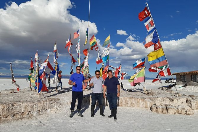 Welcome to Bolivia. <br><br>Visit the famous Salar de Uyuni, with personalized service from Sucre in Turistic Bus. <br><br>The Tour is organized from the pick-up and drop-off from the Hotels of Sucre, Bolivia. <br><br>We enjoy an overnight trip from Sucre to Uyuni, upon arrival after a delicious breakfast, we visit the great Salar de Uyuni, Isla Incahuasi, and the tour ends with a spectacular sunset on the salar of Uyuni enjoying reflection in the water . <br><br>At the end of the Tour we return to Sucre in our touristic bus to travel another 8 hours.