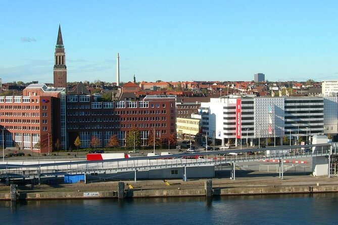 During a tour of Kiel you will see Kiel's Old Town, Town Hall, the Kieler Hauptkirche, city's Monastery, 'Schloss' palace, Old Market, ect.<br>At the end of the tour, you will visit the Bon Bon Factory.