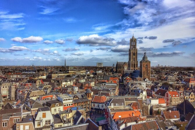 Welcome to one of the largest cities in Holland. Utrecht is worldly known for its cultural and historical sights, as a destination favored by tourists. The origins of this city are troubled, and so was its history, making it a very interesting city to discover.<br>Come join us for an insider's view of this once powerful city-state, with roots as old as the Roman Empire, if not even older!