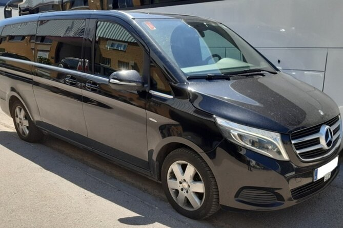 Private Transfer from Logroño to Madrid city, Pamplona, ESPAÑA