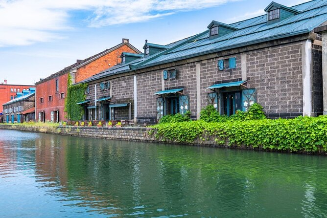 This value-packed trip with a nationally-licensed and experienced multilingual tour guide is a fantastic and efficient way to explore Otaru!<br><br>Otaru is a famous historical city and popular vacation spot in Hokkaido. But if you've never been there before, it can be hard to know where to go and what to see. In this guide, We'll introduce some of the best sightseeing spots, restaurants and sweet shops for those going to Otaru for the first time.<br><br>Let us know what you would like to experience and we will customize a six-hour tour that's best for you!<br><br>Note*1: Please select your must-see spots from a list in the tour information to create your customized itinerary.<br>Note*2: The Nationally-licensed Tour Guide-Interpreter certification is issued by the Japanese government requires a good knowledge and understanding of Japanese culture and history.