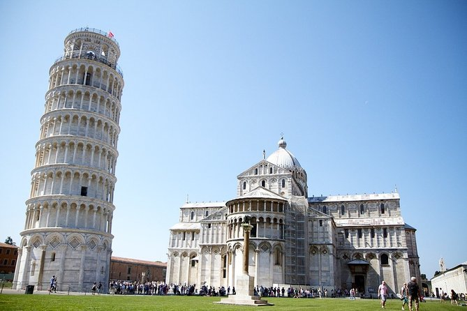 Skip-the-Line Private Tour of Leaning Tower & Pisa Top Attractions w Local Guide, Pisa, ITALIA