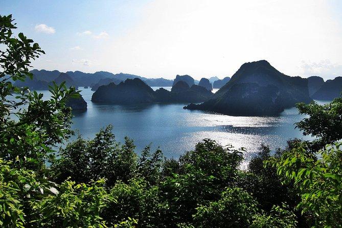 Halong Bay Cruise Luxury 3 Days,2 Nights with 4 Star Boat, Halong Bay, VIETNAM