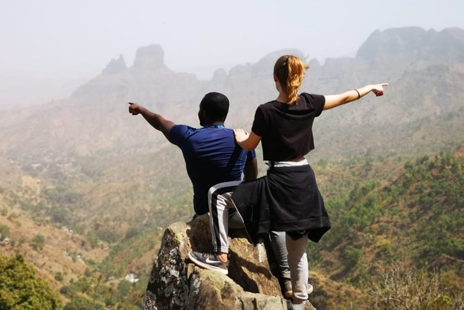Experience 5 guided hikes, including Pico D'Antónia, Serra Malagueta Natural Park and Cidade Velha, a UNESCO World Heritage Site. Enjoy a Boat trip to the Cave, visit Cape Verde's most traditional market and relax on the most beautiful beach of Santiago Island, Tarrafal Beach.<br>