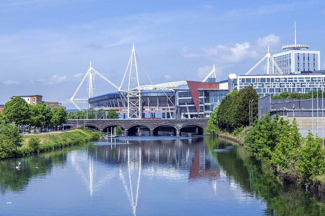 Our Private Half-Day Tour of Cardiff is the best way to quickly get to know the Welsh Capital. Whatever your reason for visiting, this is the best way to discover as much as you can of this stunning city in half a day. <br><br>Led by a Cardiffian, this trip allows you to see the best bits of Cardiff, hear what it is like to live in the city and discover some of the local hidden gems that only a local knows about. Because our guides are locals, they know all the best places to eat, drink, and how to experience all the best bits of the city including those places that are away from the usual tourist trails. <br><br>Starting in the city, and including a brief visit the National Museum of Wales in Cardiff's civic centre, the tour will finish 'down the bay' where you are able to visit some of Wales newest and most iconic buildings and learn how the city (and Wales) has changed in the last 100 years.<br><br>