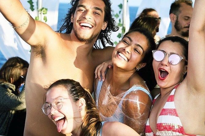 MÁS FOTOS, Fiesta en barco en Mykonos