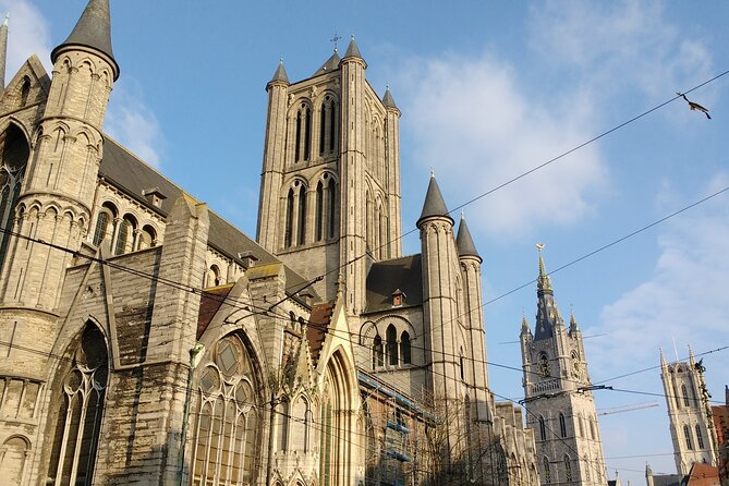 Small-Group Running and Dancing Tour in Ghent, Gante, BELGICA