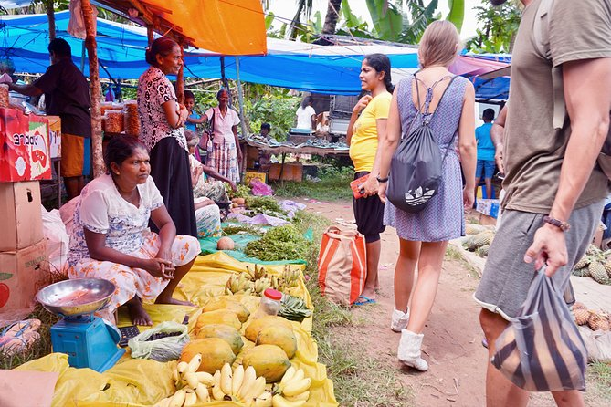 (SKU: LK78050100) While there are many things to do in a Negombo market tour, different markets will also offer you different products as well as experiences. So, let's now look at some things you can do in a market tour in Negombo.
