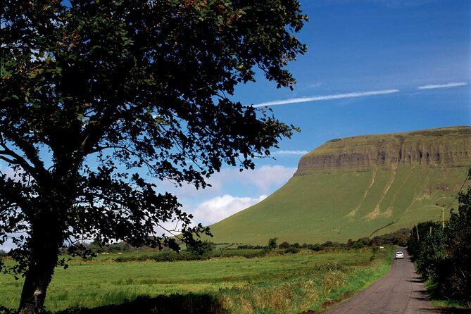 Sligo at the foot of Bebulben mountain;<br>Within cycling distance of Rosses Point;<br>Close to beaches;<br>Half hour cycle to Yeat's burial site at Drumcliffe;<br>Loads of other history and heritage sites within cycling distance.